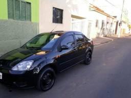 Vendo troco Fiesta sedan ano 2007 completo -ar - 2007