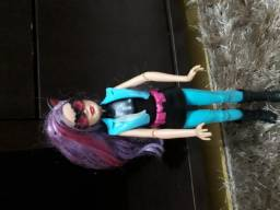 Barbie vilã gatuna