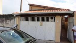 {Gintervale Aluga} Ótima Casa c/ 3 dormitório Jd Maria em Jacareí - SP