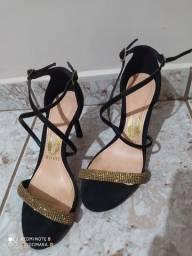 Sandália Preta com Dourado Tamanho 35