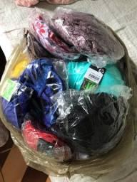 Paço sacola com 82 peças de lingerie