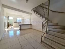 Casa duplex com 2 quartos