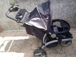 Carrinho de Bebê - 3 Rodas Novinho