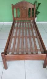 Otima cama de solteiro