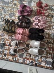 Lote calçados menina numeração 24