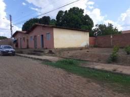 Casa com terreno e poço