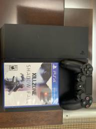 PS4 com controle