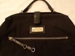 Bolsa DKNY esportiva preta. Legítima