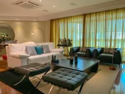 Apartamento maravilhoso rico em detalhes de decoração.