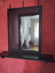 Espelho com moldura e console