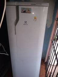 Vendo geladeira Eletrolux Frost Free