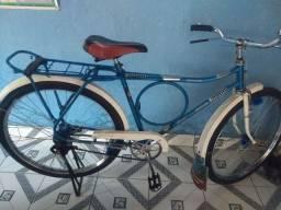 Vendo bicicleta Monark antiga.