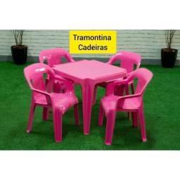 Cadeiras e Mesas Infantil e adultos.