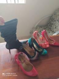 Sapatos feminino chiques e lindos