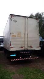 Caminhão acello 915c
