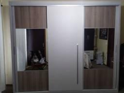 Armário 2,50m com 3 portas e espelhos