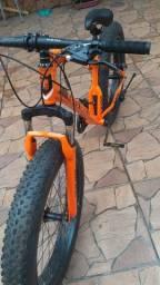 Bicicleta fat pneus largos