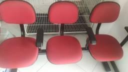 Cadeira tipo longarina