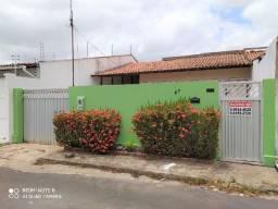 Casa no Res. Pinheiros II, Cohama, próxima do Atacadão, do Mateus e do Hosp. São Domingos