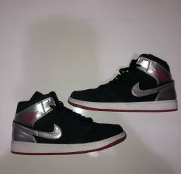 Air jordan 1 mid black silver gym red