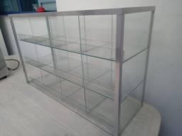 Baleiro de vidro para exposição