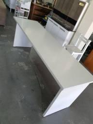 Mesa de escritório com 2 metros