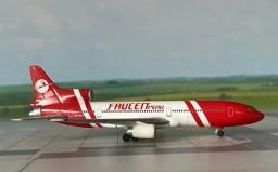 Avião miniatura 1:500