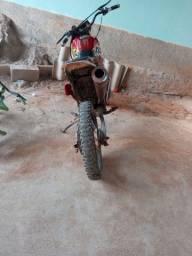 Moto xlr 125 equipada pra trilha
