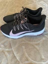 Tênis Nike 39 novíssimo