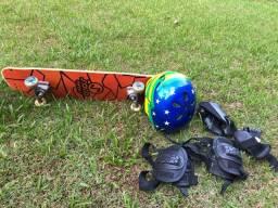 Skate, capacete e acessórios proteção