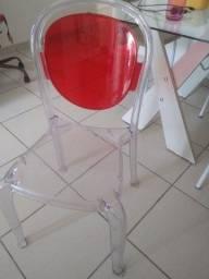 Cadeira de acrílico semi nova