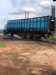 Vendo caminhão boiadeiro