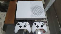 Vendo Xbox One S 2 Controles
