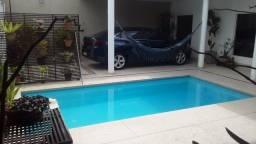 Casa 03 quartos, 02 suítes, piscina e sauna
