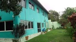 Casa Duplex mobiliada, 5 quartos, 2 suítes, 4 vagas, Balneário Carapebus, Serra - ES.