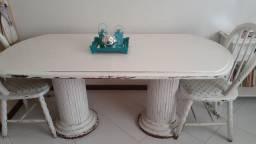 Mesa de jantar de madeira maciça patinada com 2 cadeiras