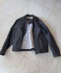 Jaqueta em couro nova