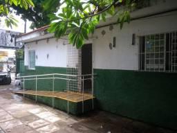 Loja Térrea na Av. Domingos Ferreira, Pina