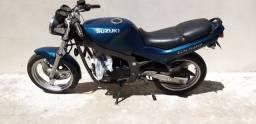 Suzuki GS 500 PARA RETIRADA DE PEÇAS NÃO DA PRA LEGALIZAR