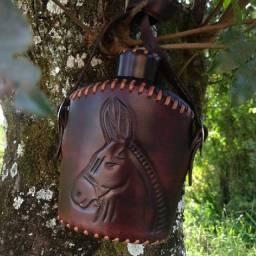 Cantil Térmico de Couro - Ideal para Cavalgadas