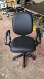 Vendo cadeira de escritório nova