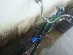V/T essa Bike está em ótima condição troco por celular
