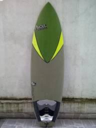 Prancha Surf + Jogo de Quilhas e Leash
