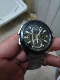 67deb6303a3 Relógio top de ótima qualidade sem detalhes