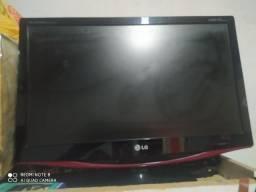 Televisão e monitor,está funcionando normal porém fica desligando sozinha as vezes