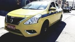Versa Táxi menos de 40 mil rodado. Vendo com tudo !!! - 2018