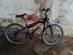 Bicicleta Caloi TRS com marcha.
