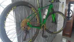 Bike carbono THRUST SEM NOTA
