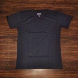 Camisa lisa preta Mrotto R$34,90