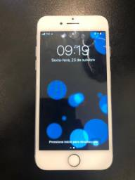 iPhone 7, prata, 128 Gb.